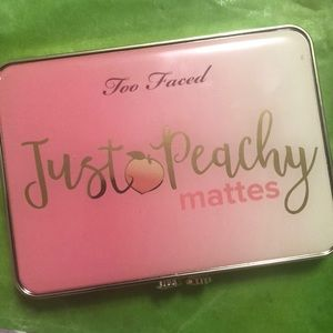 Too faced Just Peachy palate